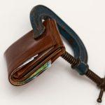 hohe Geldbußen für Autofahrer im Ausland